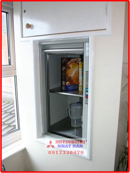 thang máy tải đồ ăn