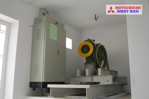 khu vực phòng máy chứa động cơ thang máy
