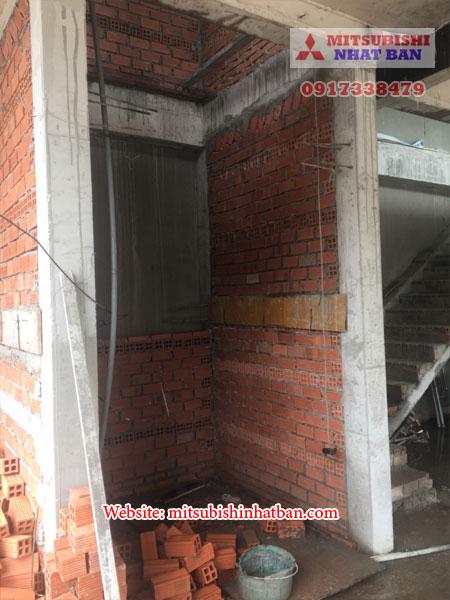khung thang máy bê tông bán hoàn toàn