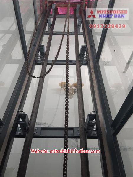 khung thang máy